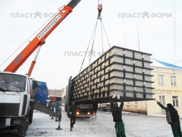 Производство и транспортировка пластиковых емкостей